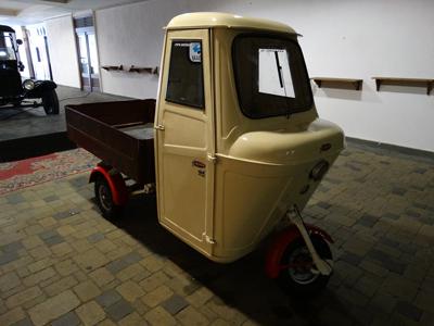 Vintage car display - Budapest