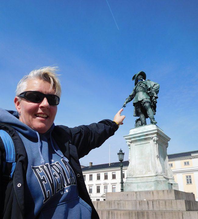 Gustaf Adolf looking dapper.