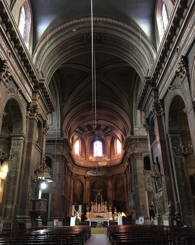 Moody nave of Notre-Dame de la Daurade.