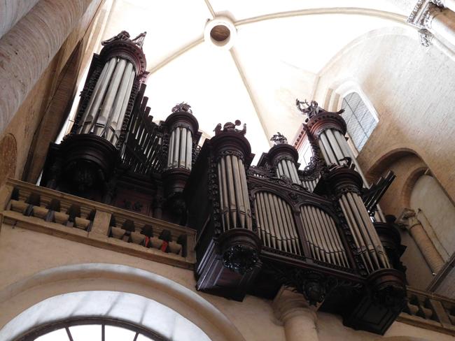 Saint Sernin Basilica's imposing pipe organ.